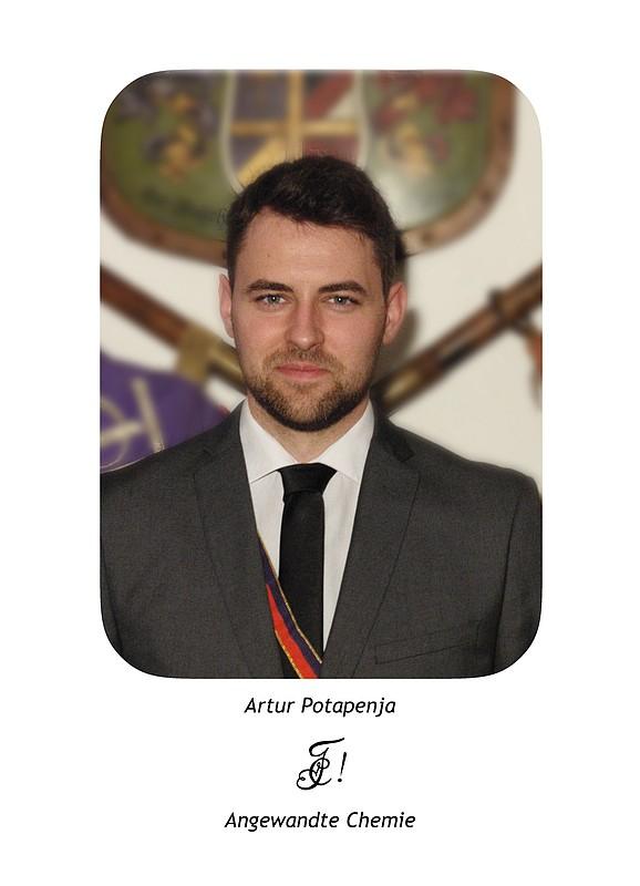 <center>Artur Potapenja</center>